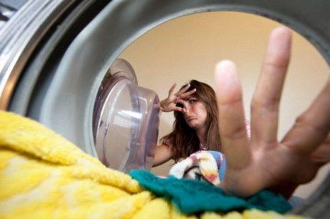 Máy giặt có mùi