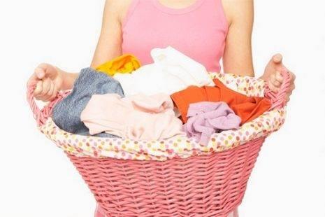 sap xep quan ao giat - Các bước giặt cơ bản với máy giặt bạn cần biết