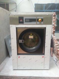 Những điều bạn nên cân nhắc khi mua máy giặt công nghiệp giá rẻ