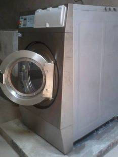 Sự khác nhau giữa máy giặt công nghiệp và máy giặt gia đình (máy giặt thường)