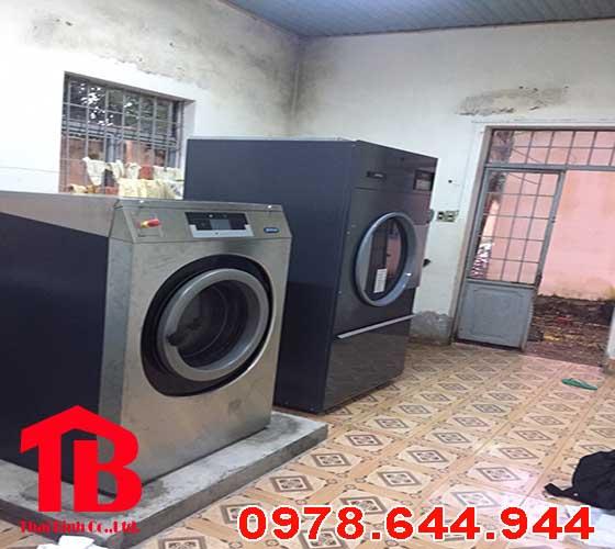 Máy giặt công nghiệp dùng tốn điện không
