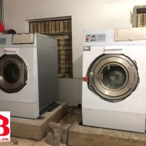 Hoàn tất đưa máy giặt công nghiệp vào bệ